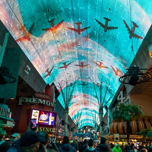 Freemont-Street-Experience-Old-Las-Vegas-Nevada-Things-To-Do-Recommendation-Rentabususa.com.jpg
