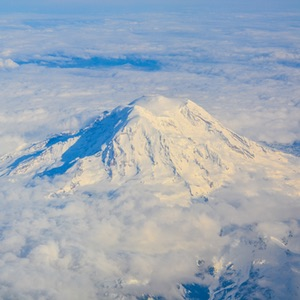Visit-Mt.-Ranier-National-Park-which-located-outside-of-downtown-Seattle,-Washington-Things-To-Do-Recommendation-Rentabususa.com.jpg
